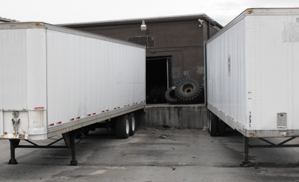 Utterly impossible dock with crooked trailer